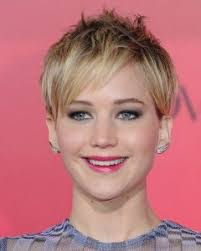 short hairstyles for women with round faces and thin hair